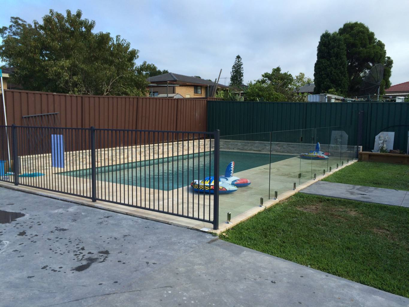 Should I Choose Framed Or Frameless Glass Pool Fencing Blog