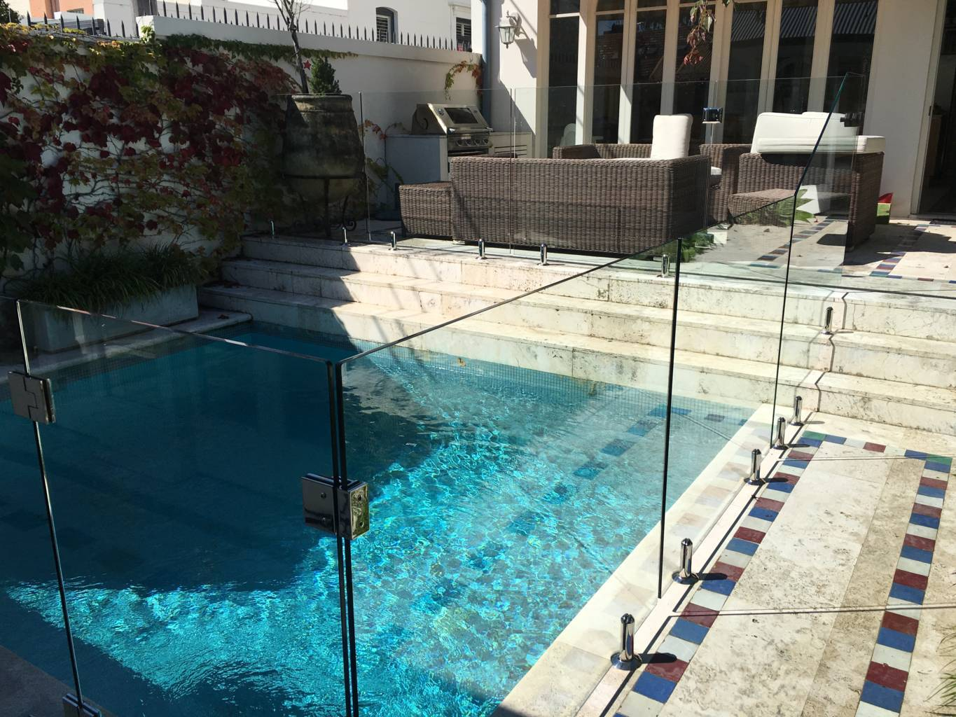 frameless pool glass gold coast